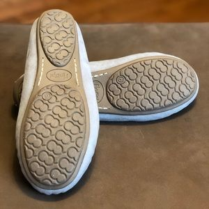Floopi Shoes - Floopi Womens Grey Moccasin Slippers Memory Foam 6